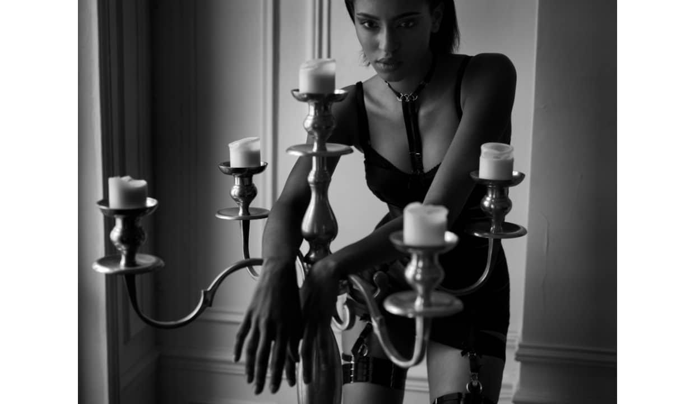 Редакционный журнал Normal Magazine Paris от Питера Коулсона - Платье Анжелы Бордель