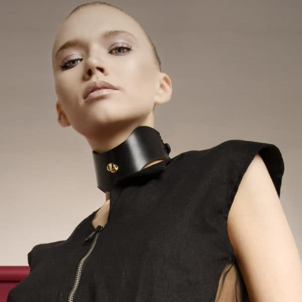EBE Posture wide collar in black leather and gold details from 0770 at Brigade Mondaine