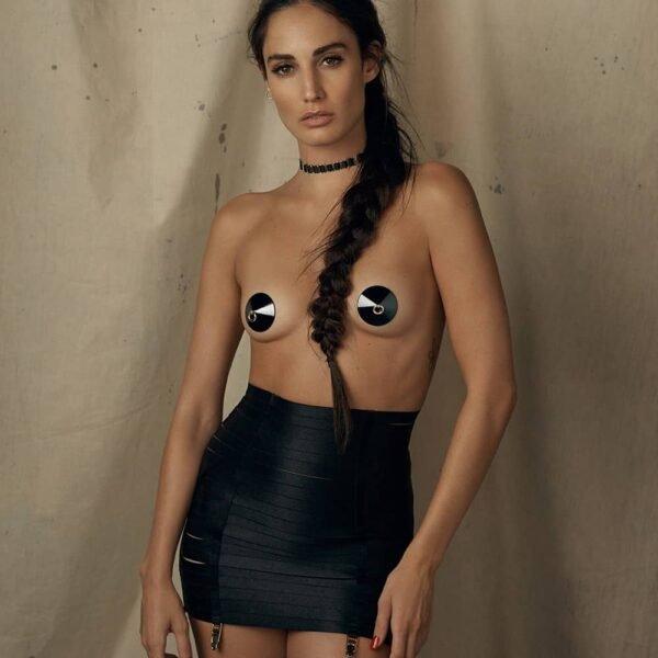 Guêpière jupe bondage noire tout en élastique satiné ajustable avec porte-jarretelle BORDELLE chez Brigade Mondaine