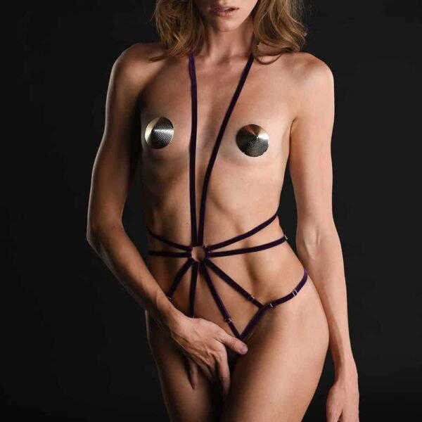 Playsuit Scarlett en élastiques bordeaux avec attache au cou et string signé Couture de Nuit chez Brigade Mondaine