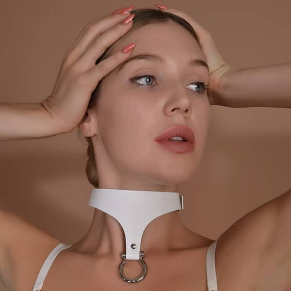 White Whiplash choker with golden drooping ring signed ELF ZHOU at Brigade Mondaine