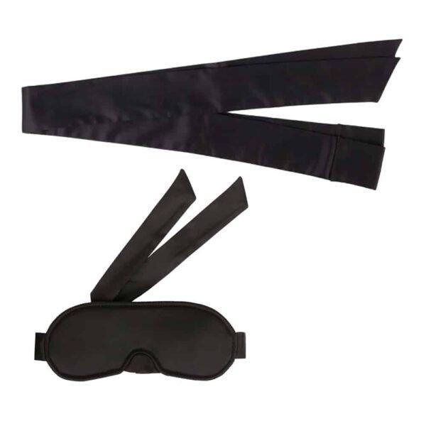 Enlace de satén negro suave y kit de máscara por Atelier Amour en Brigade Mondaine