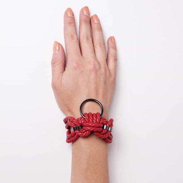 Красный браслет из каната Шибари с кольцом Рисунок А на 1ТП5Т