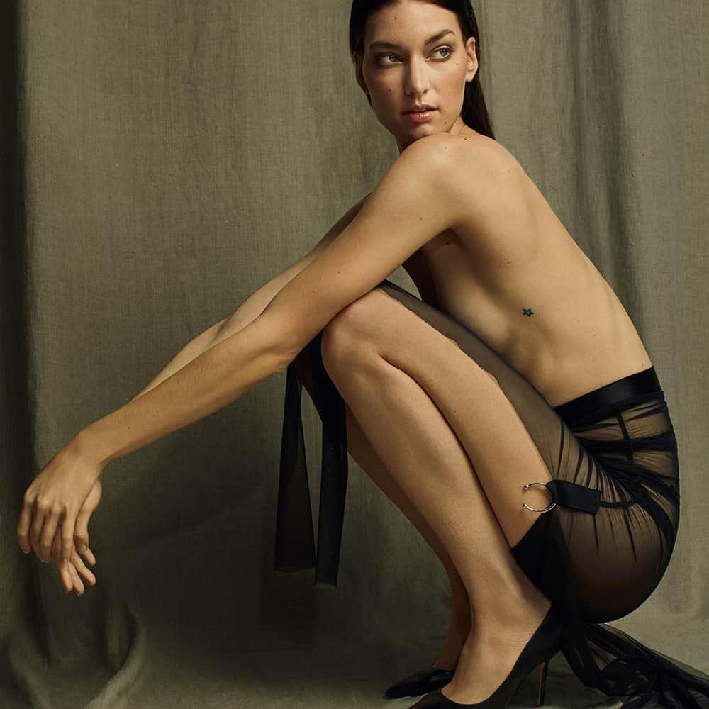 Черный плиссированный тюль и эластичная юбка люрекс ручной работы Кармен Гонзалес на Brigade Mondaine