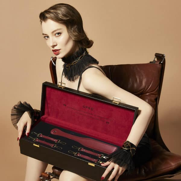 Case d'bondage and BDSM accessories in red velvet and burgundy red leather handmade UPKO at Brigade Mondaine