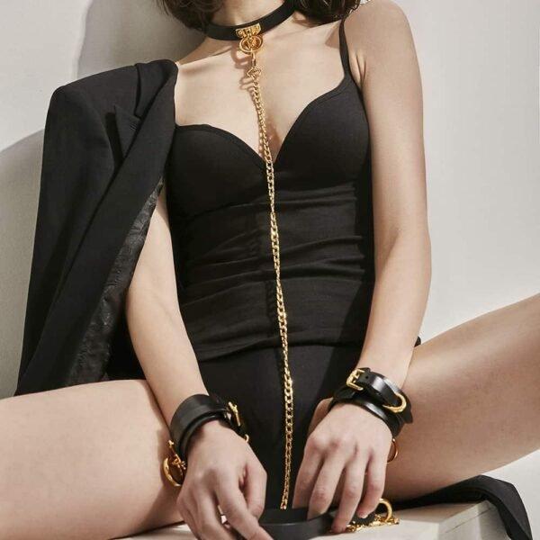 Тонкий чокерный воротник, поводок и наручники черные кожаные ремешки и кольцо из 24-каратного золота ручной работы UPKO на 1ТП5Т.