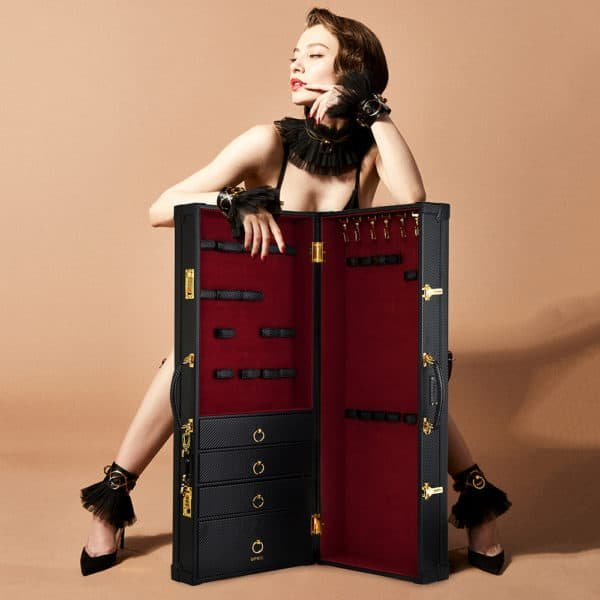 Case d'bondage and BDSM accessories in red velvet and black leather handmade, including drawers and secured closure with UPKO code at Brigade Mondaine