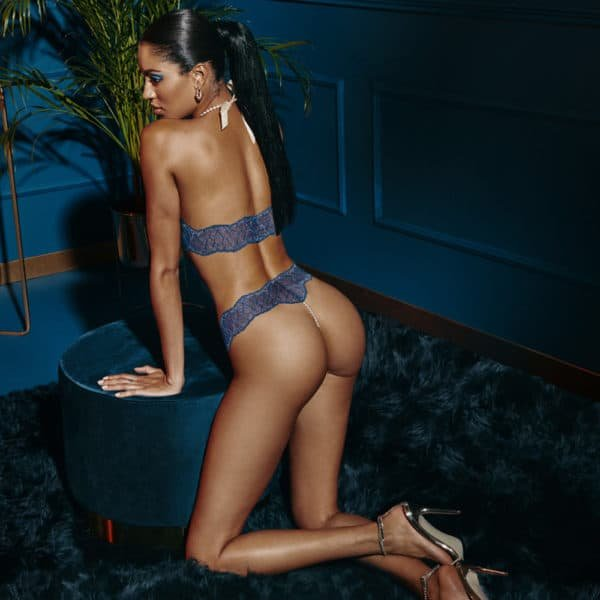 G-string with stimulating beads in blue lace SYDNEY collection with small bow on the front BRACLI at Brigade Mondaine