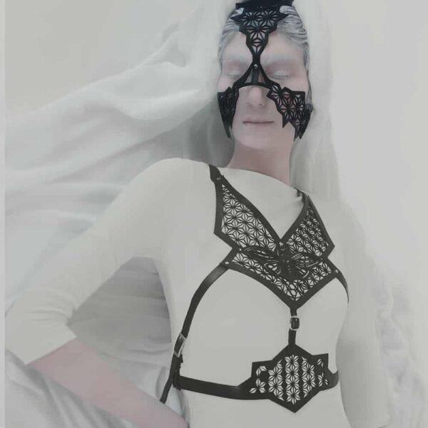 Черный растительной кожи маска и Harness Set с взорванной кожей бабочки узор на Brigade Mondaine