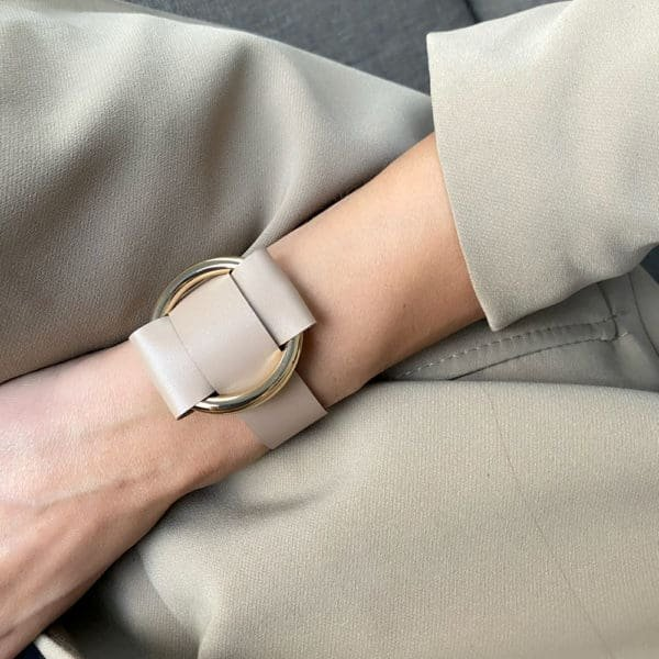 ANNA BRACELET in beige Nappa leather with a large gold metal ring by MIA ATELIER at BRIGADE MONDAINE