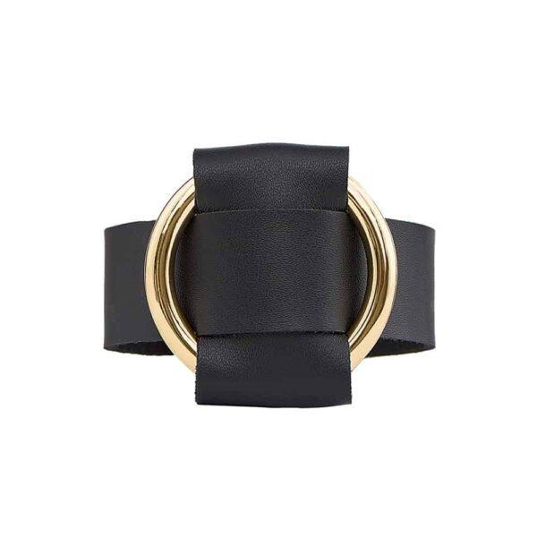 PULSERA ANNA en napa negra con un gran anillo de metal dorado de MIA ATELIER en la BRIGADA MONDAINE