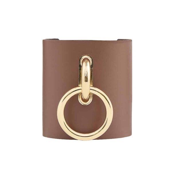 TESSA BRACELET в кофейной коже с большим металлическим золотым кольцом от MIA ATELIER в BRIGADE MONDAINE