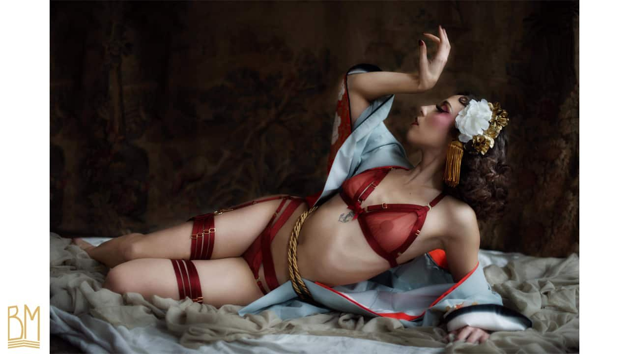 Complete set of transparent red lingerie with adjustable elastics from BORDELLE collection SIGNATURE at BRIGADE MONDAINE