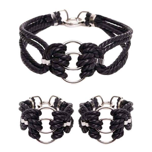 Набор Bdsm черное ожерелье из струн и наручники с серебряными деталями