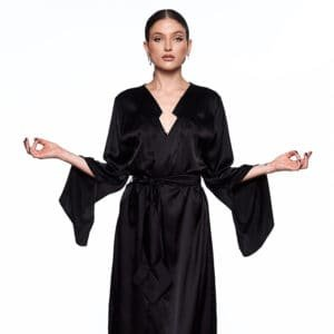 Kimono Infinity Long and black, with belt, back opening