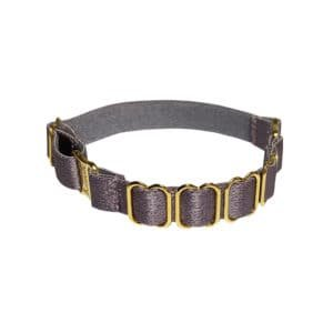 Elastic bracelet Lilac Tundra of the brand BORDELLE. This bracelet in fine fabric is decorated with 4 golden buckles. At the back it is adjustable thanks to a buckle. On the sides, snap hooks join the front and back fabrics.