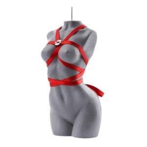 """Свеча марки """"Baed Stories"""". Эта серая свеча представляет собой тело обнаженной женщины без рук и без арок. Красная лента обертывается вокруг тела так, что образует упряжь вокруг груди, талии и шеи. Серебряный логотип Baed Stories пришит к ремню на уровне груди."""
