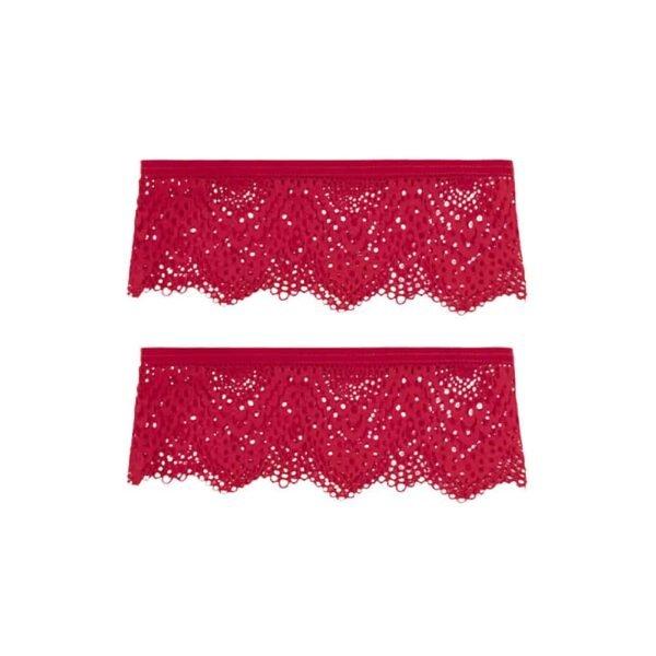 Красные подвязки от бренда Atelier Amour Collection Nommée Désir. Тонкое кружево покрывает бедра и дополнено тонкой эластичной лентой для надежной фиксации.